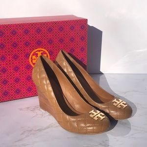 *NEW* Tory Burch Quilted Leather Wedge Pumps 7.5